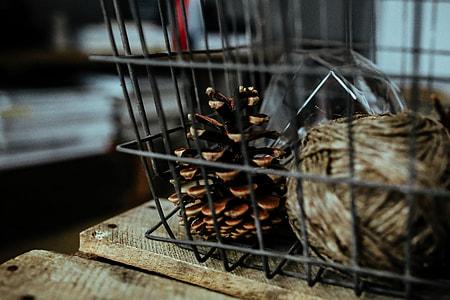 Diamond lightbulbs in a metal basket