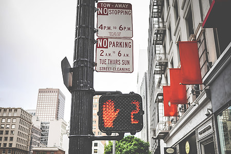 Typical Pedestrian Red Traffic Lights Countdown in California