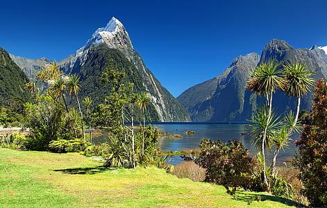 mountains and lake during daytime