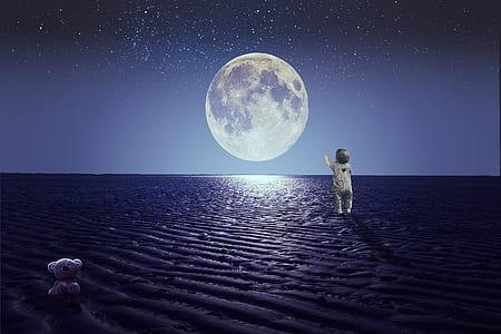 baby walking and moon