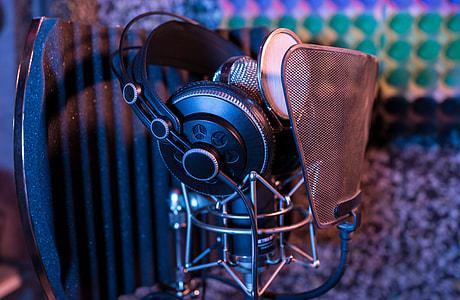 black microphone and headphones