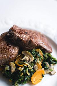 Excellent beef steak with vegetables