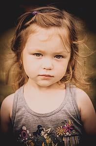 photo of brown hair girl