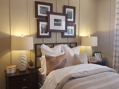 white and brown bed comforter set