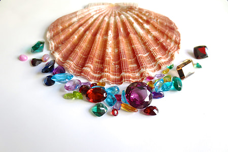 gemstones, clam, shell, ruby, emerald, sapphire