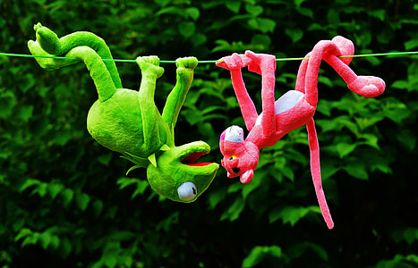 Kermit the Frog and Pink Panther hangup on green string