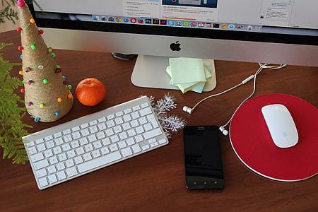 silver iMac, Magic mouse and Magic keyboard