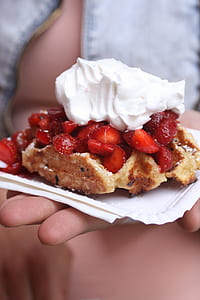 Strawberry Pie With Cream