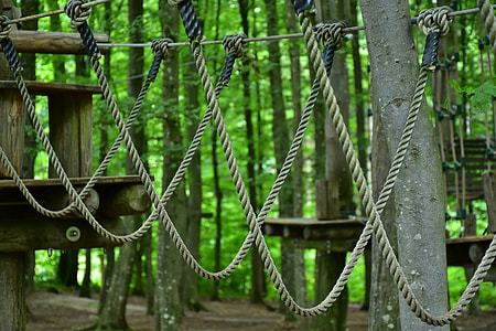 gray hanging rope obstacle