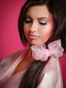 woman wearing pink v-neck shirt photo