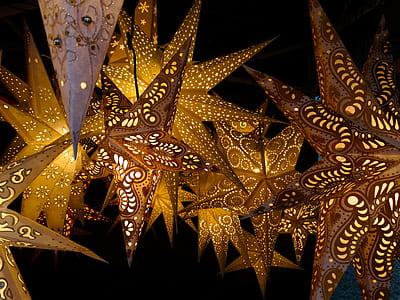yellow and white star lanterns