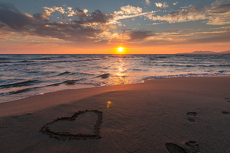 seashore photo during sunset