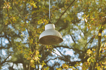 pendant lamp outdoor during daytime