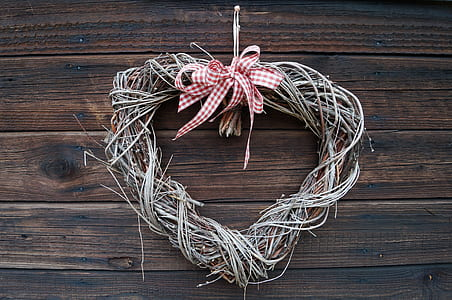 brown wicker wreath