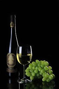 Moscato di Trani wine bottle