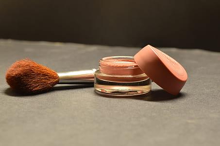 close up photo ofmakeup brush