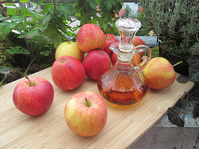 honeycrisp apples and clear glass decanter