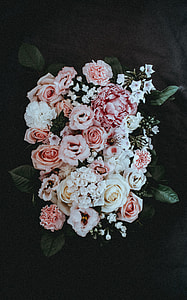 variety of petaled flower arrangement