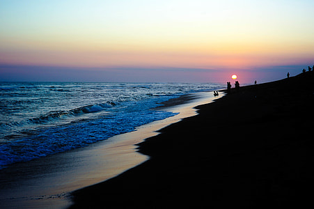 landscape photo of beach during sunset