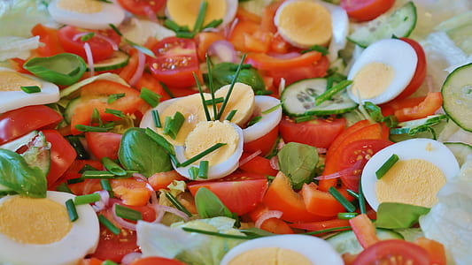 boiled egg with tomatoes and cucumbers