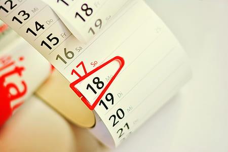 white calendar note