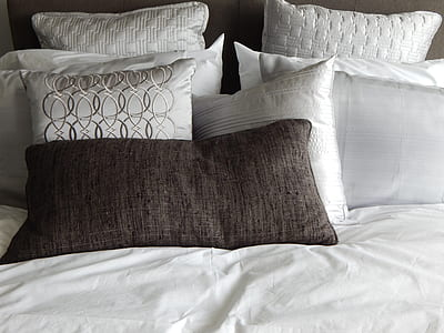 white comforter sheet set
