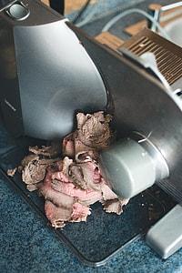 Cutting roastbeef