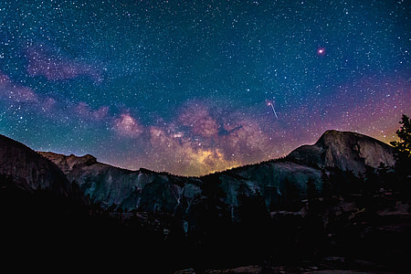 starry night and mountain