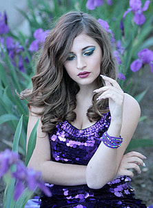 woman wearing purple sequined sleeveless top