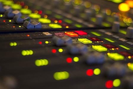 closeup photography of audio mixe