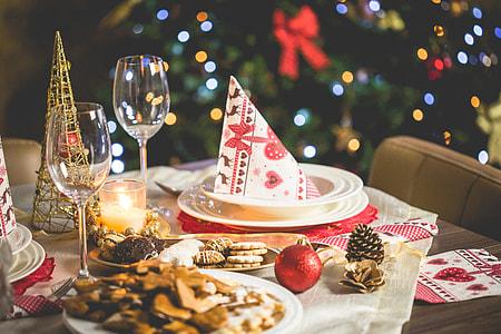 Wonderful Christmas Dinner Table Setting