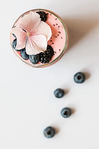 food photography of blueberry smoothie