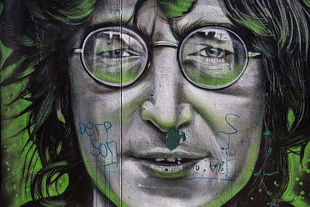 Street art depicting John Lennon from The Beatles