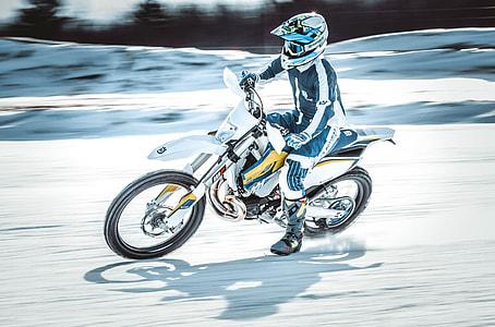 Husqvarna racing