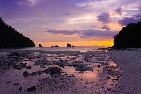 Few places do sunsets as well as Thailand, this one was captured from Tup Island, a tiny tropical island in Krabi