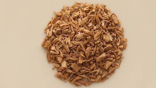 brown wood chips