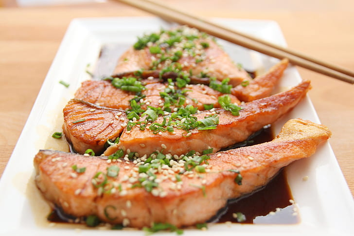 macro photography of grilled tuna with soy sauce
