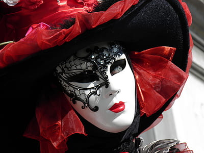 woman wearing white and black mask