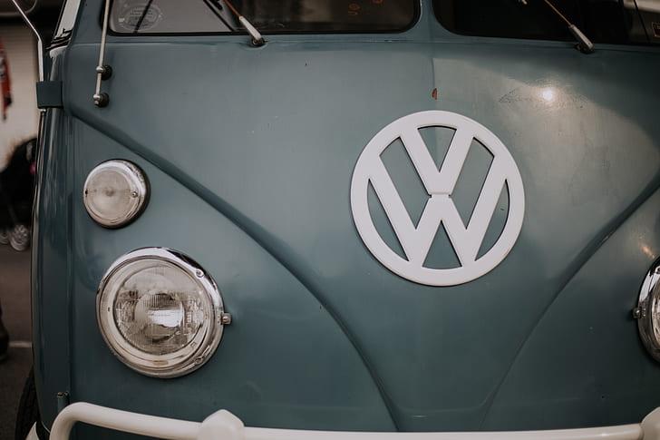 gray Volkswagen vehicle