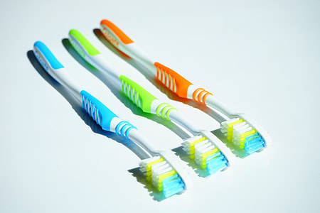 Tooth brushes for clean teeth