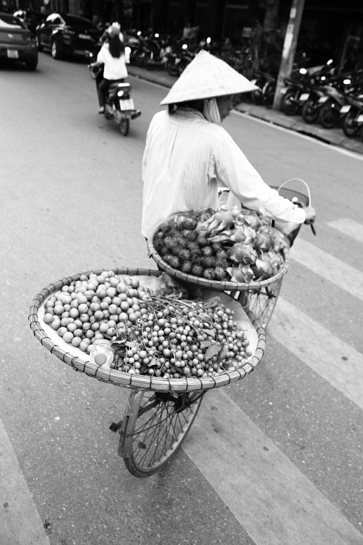 Transporting vegetables