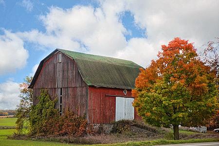 unused barn house