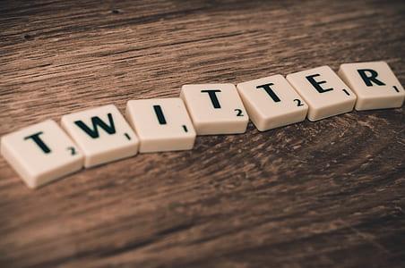 Twitter dominoes