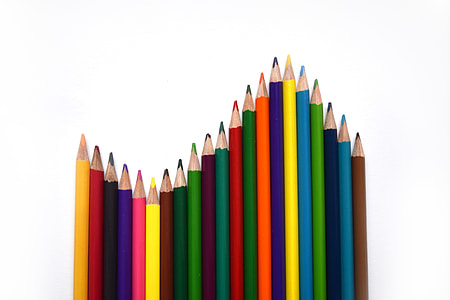 assorted-color colored pencil set