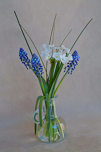 flower arrangement on vase