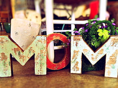 Mom freestanding decor