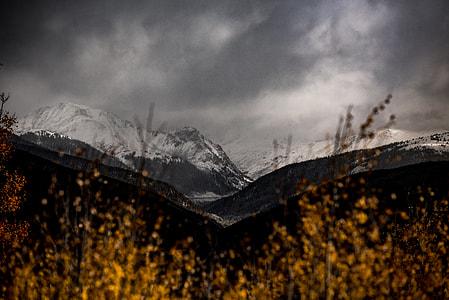 mountain ranges at daytime