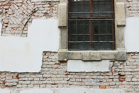 Bricks, Budapest.