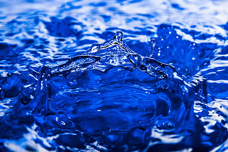 ripples of water wallpaper