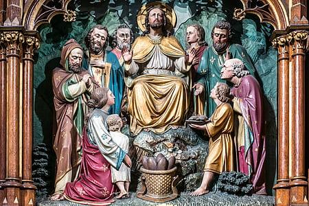 statue of Religious scenery
